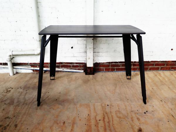 table photo